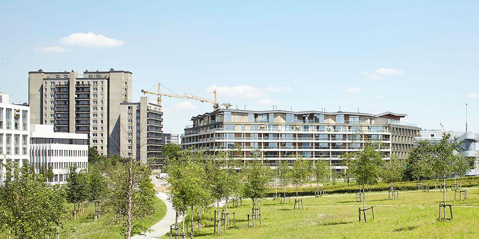 Achter het woongebouw ligt 2 hectare groene, publieke ruimte.