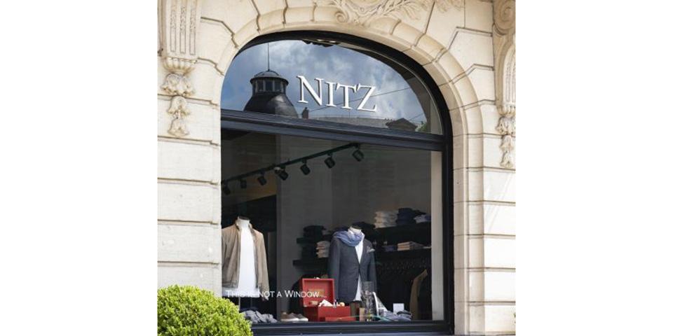 nitz_shopwindow_brussels_be_clearsight_copr.-jean-michel_byl_1